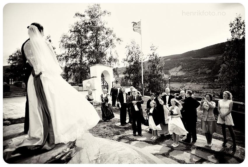 Sør Fron Kirke Fefor Høifjellshotell Bryllupsfotograf Gudbrandsdalen Bryllup i Gudbrandsdalen