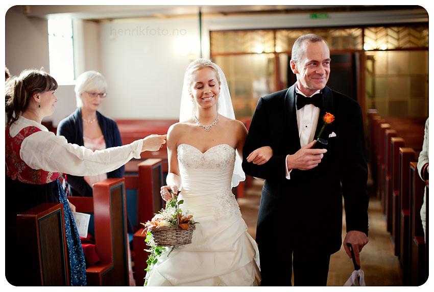 ta bilder i lite lys fotografere i lite lys bryllup og naturlig lys